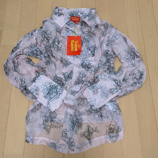 Vivienne Westwood(ヴィヴィアンウエストウッド)の新品未使用 タグ付き シルクのトロミブラウス 水彩画風 ヴィヴィアン レディースのトップス(シャツ/ブラウス(長袖/七分))の商品写真