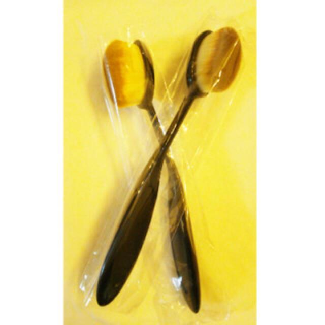メイクブラシ ファンデーションブラシ 化粧ブラシ 歯ブラシ型 毛穴隠し コスメ/美容のベースメイク/化粧品(その他)の商品写真
