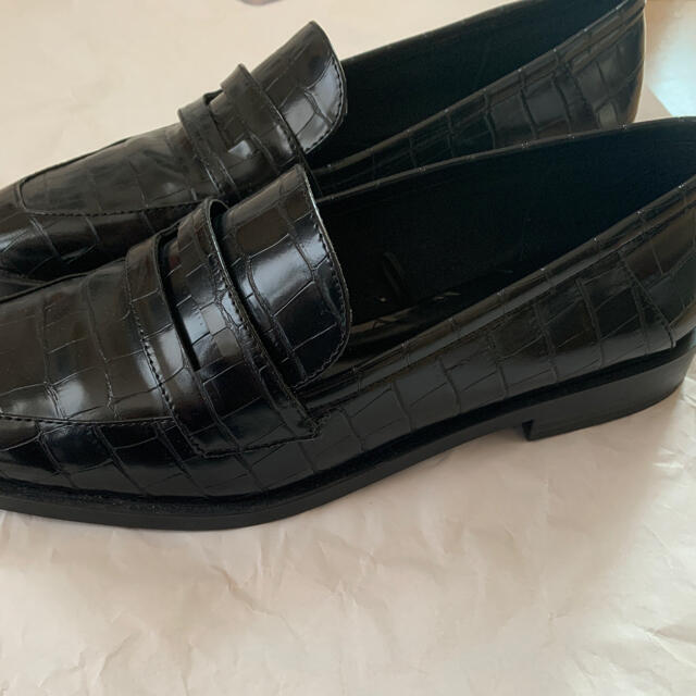 ZARA(ザラ)のZARA アニマル柄 ローファー サイズ38 レディースの靴/シューズ(ローファー/革靴)の商品写真