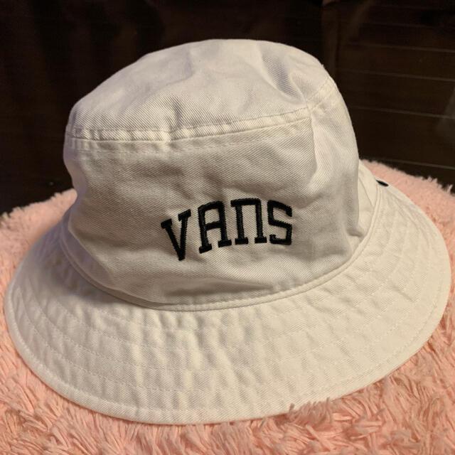 VANS(ヴァンズ)のVANS*ハット*試着のみ! レディースの帽子(ハット)の商品写真