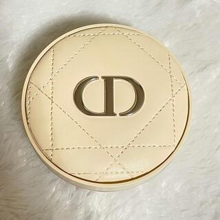 Christian Dior - Dior ディオールスキン フォーエヴァー クッションパウダー ゴールデンナイツ