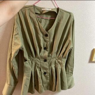 ケービーエフ(KBF)のシャツ(シャツ/ブラウス(長袖/七分))