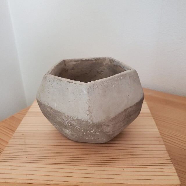 Francfranc(フランフラン)のヘキサゴン鉢カバー インテリア/住まい/日用品のインテリア小物(花瓶)の商品写真