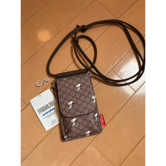 しまむら(シマムラ)の新品未使用 しまむら スヌーピー ミニ ショルダー スマホ バッグ レディースのバッグ(ショルダーバッグ)の商品写真