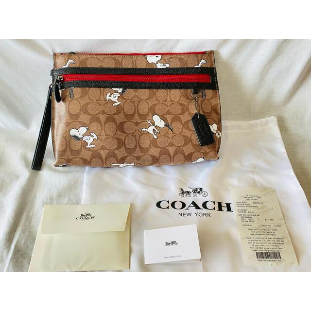 COACH(コーチ)のCOACH コーチ×スヌーピー クラッチバッグ リストストラップ付き ポーチ  レディースのバッグ(クラッチバッグ)の商品写真