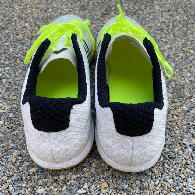 adidas(アディダス)のadidas フットサルシューズ スポーツ/アウトドアのサッカー/フットサル(シューズ)の商品写真