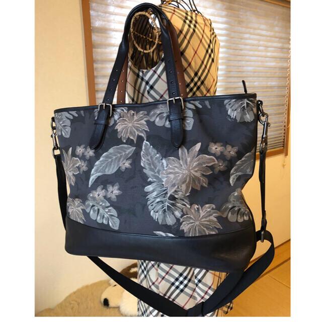 COACH(コーチ)の美品本物コーチcoach高級レザー使い花柄2wayショルダーバッグ♫超オシャレ品 レディースのバッグ(ショルダーバッグ)の商品写真