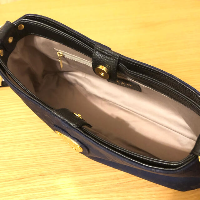 ATAO(アタオ)のATAO チヴィモノグラム リュクスナイロン レディースのバッグ(ショルダーバッグ)の商品写真