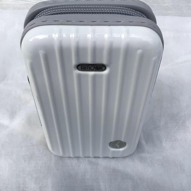 RIMOWA(リモワ)のリモワ×ルフトハンザ航空非売品アメニティポーチの商品です。 インテリア/住まい/日用品の日用品/生活雑貨/旅行(旅行用品)の商品写真