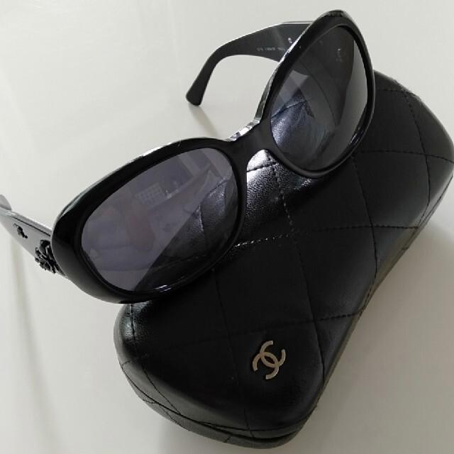 CHANEL(シャネル)のシャネル カメリア サングラス  レディースのファッション小物(サングラス/メガネ)の商品写真