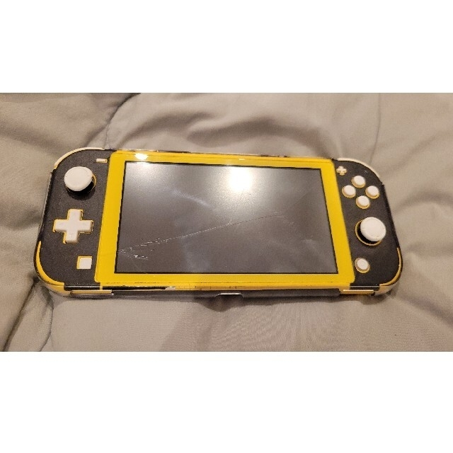 Nintendo Switch(ニンテンドースイッチ)のNintendo Switch Light 本体 イエロー エンタメ/ホビーのゲームソフト/ゲーム機本体(携帯用ゲーム機本体)の商品写真