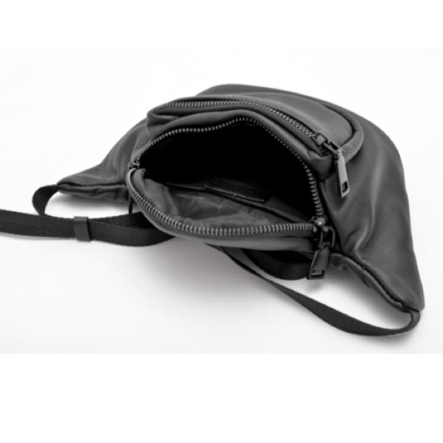 device.(ディバイス)のRename 本革 ミニ ウエストバッグ レディースのバッグ(ボディバッグ/ウエストポーチ)の商品写真