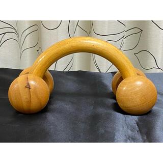 健康器具 木製4輪マッサージ器 Wooden Massager 腰 肩 足(マッサージ機)