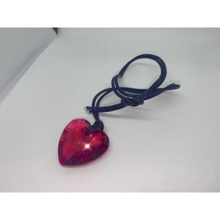 スワロフスキー(SWAROVSKI)のスワロフスキー ハート 赤 ペンダント ネックレス(ネックレス)