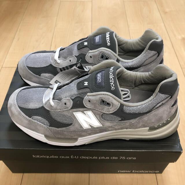 New Balance(ニューバランス)の【28.0】ニューバランス New Balance  M992GR メンズの靴/シューズ(スニーカー)の商品写真
