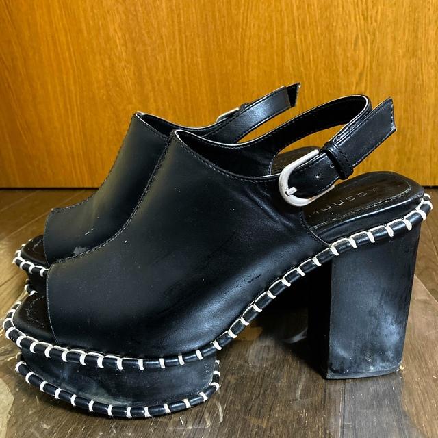 moussy(マウジー)のmoussy.ウッドソールサンダル黒! レディースの靴/シューズ(サンダル)の商品写真