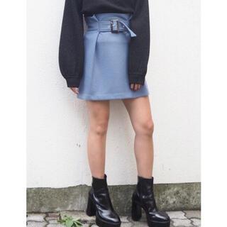 ムルーア(MURUA)の定価6490円☆美品☆MURUA☆ハイウエストタックミニスカート(ひざ丈スカート)