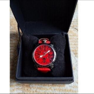 新品 未使用 漫画 ワンピースのアナログの腕時計 赤 箱入り