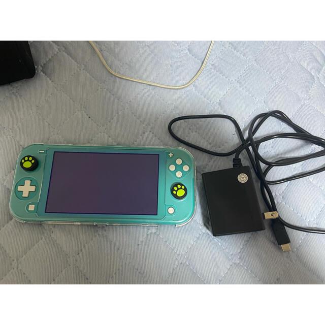 Nintendo Switch(ニンテンドースイッチ)のニンテンドーSwitch light ポケモンソード付き エンタメ/ホビーのゲームソフト/ゲーム機本体(家庭用ゲーム機本体)の商品写真
