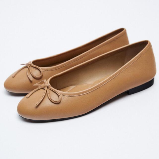 ZARA(ザラ)のリアルレザーバレリーナシューズ レディースの靴/シューズ(バレエシューズ)の商品写真