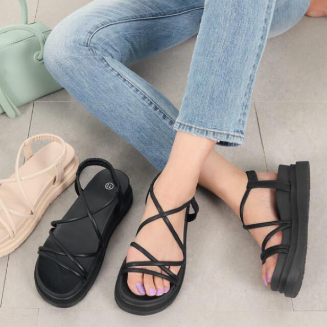 神戸レタス(コウベレタス)の最終sale✨フラットソール サンダル ブラック レディースの靴/シューズ(サンダル)の商品写真