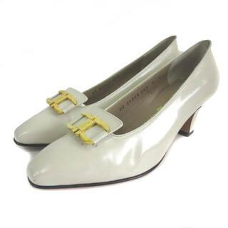 サルヴァトーレフェラガモ(Salvatore Ferragamo)のサルヴァトーレフェラガモ パンプス シューズ ガンチーニ スクエアトゥ 6 (ローファー/革靴)