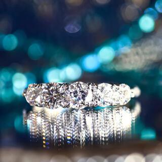 全石『星が見えるカット』ダイヤモンドリング