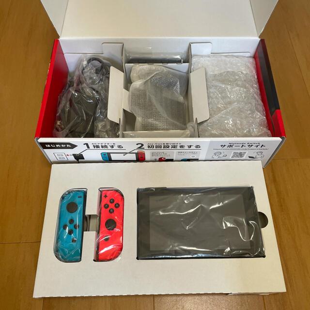 Nintendo Switch(ニンテンドースイッチ)のNintendo Switch本体 美品 エンタメ/ホビーのゲームソフト/ゲーム機本体(家庭用ゲーム機本体)の商品写真