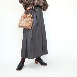 しまむら - しまむら terawear emu てらさん TRWチンツサテンスカート  M