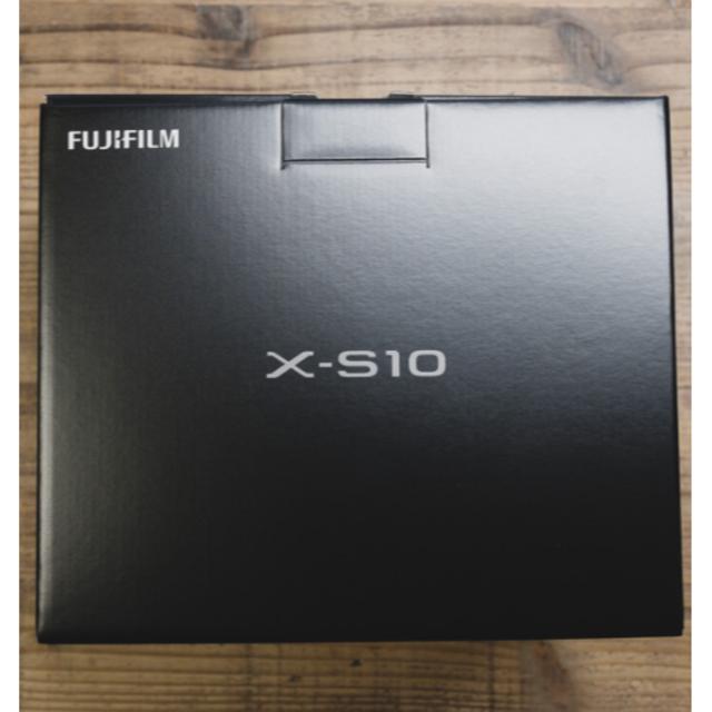 『新品/送料無料』 ボディ ブラック FUJIFILM X-S10 スマホ/家電/カメラのカメラ(ミラーレス一眼)の商品写真