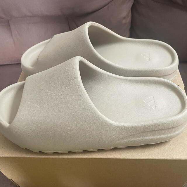 adidas(アディダス)のYEEZY SLIDE メンズの靴/シューズ(サンダル)の商品写真