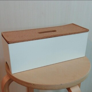 IKEA - IKEAのKvissleケーブルボックス