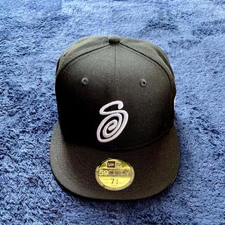 "STUSSY - Stussy CURLY S NEW ERA CAP ""Black"" 7 3/4"