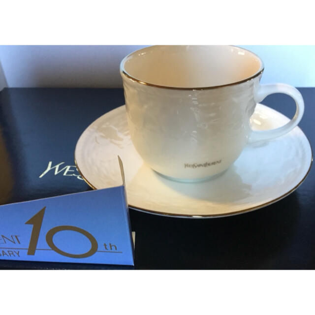 イブサンローラン コーヒーカップ 5客 10周年アニバーサリー 未使用 インテリア/住まい/日用品のキッチン/食器(グラス/カップ)の商品写真