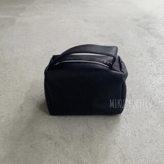 ミラオーウェン(Mila Owen)のスクエア ボックスショルダーバッグ  黒 ブラック モノトーン レディース(ショルダーバッグ)