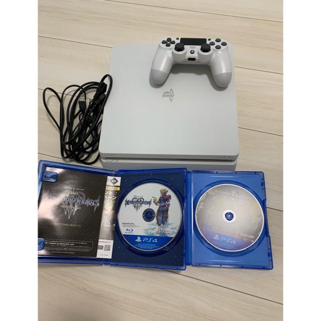 PlayStation4(プレイステーション4)の【PlayStation4  CUH-2100A】とゲームソフト エンタメ/ホビーのゲームソフト/ゲーム機本体(家庭用ゲーム機本体)の商品写真