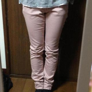 ジーユー(GU)のguカラースキニーパンツ/ピンク(チノパン)