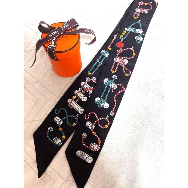Hermes(エルメス)のyu様専用 エルメス ツイリースカーフ コルダージュ ブラック ロープ レディースのファッション小物(バンダナ/スカーフ)の商品写真