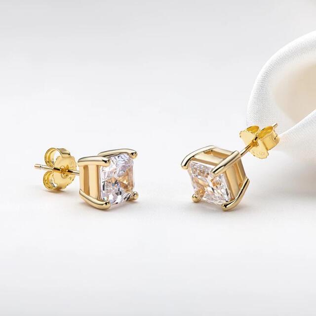 ラスト2点 赤字セール 高品質 SONA ダイヤモンド スクエア ピアス 18k レディースのアクセサリー(ピアス)の商品写真