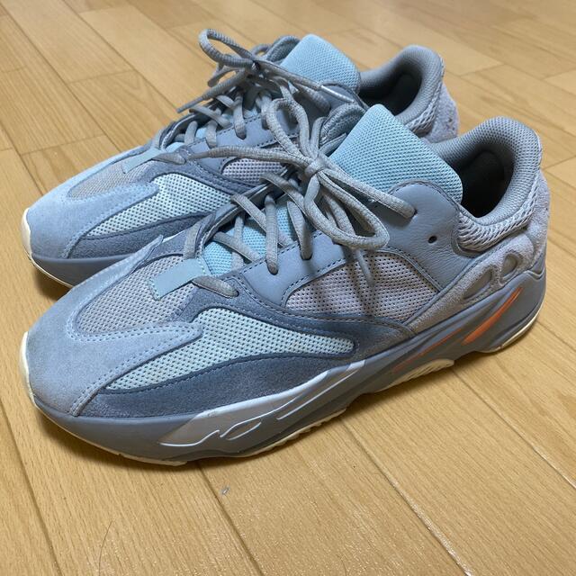 adidas(アディダス)のイージーブースト700イナーシャ28cm メンズの靴/シューズ(スニーカー)の商品写真