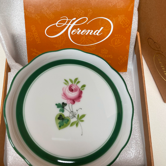 Herend(ヘレンド)のヘレンド 新品未使用ウイーンの薔薇コースター インテリア/住まい/日用品のキッチン/食器(食器)の商品写真