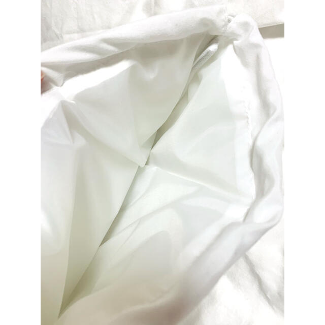 MM6(エムエムシックス)のMM6 雑誌付録 巾着ポーチ(ホワイト) レディースのファッション小物(ポーチ)の商品写真