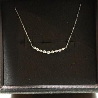 K18ホワイトゴールド ダイヤ9石 シンプルネックレス