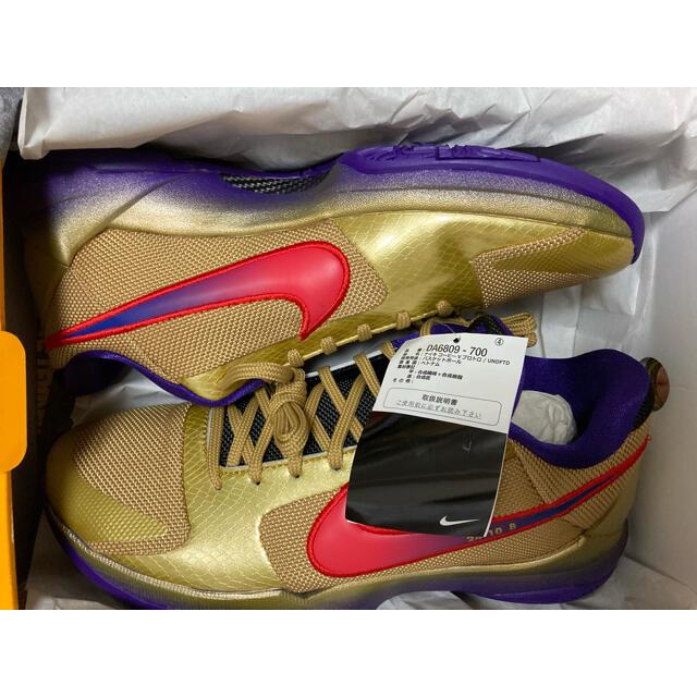 NIKE(ナイキ)のUNDEFEATED × NIKE KOBE 5 PROTORO  メンズの靴/シューズ(スニーカー)の商品写真
