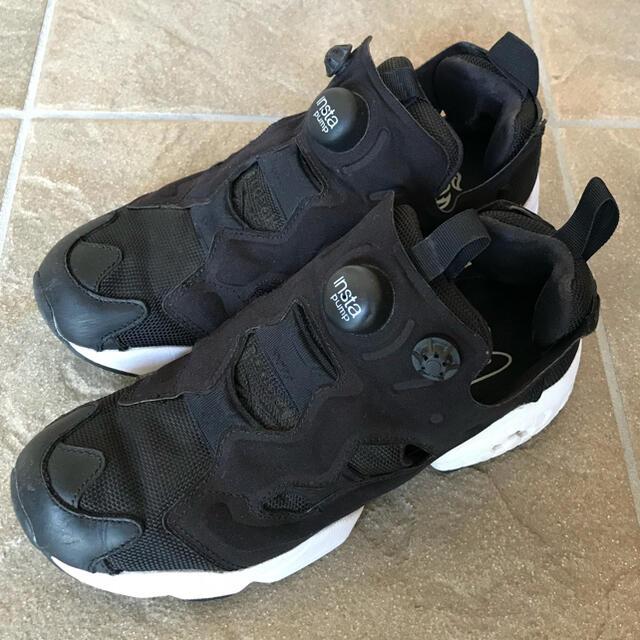 Reebok(リーボック)のリーボック 黒 インスタポンプ 23.5 レディースの靴/シューズ(スニーカー)の商品写真