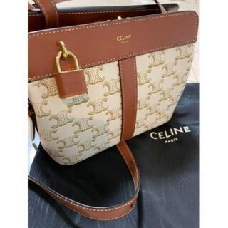 celine - CELINE ホワイトトリオンフキャンバス