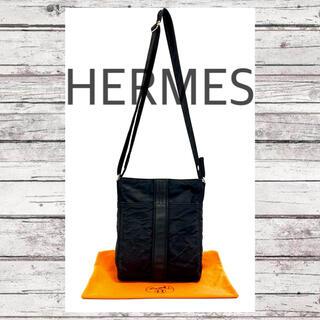 エルメス(Hermes)の【美品】エルメス アカプルコ バンドリエール MM ショルダーバッグ ブラック(ショルダーバッグ)
