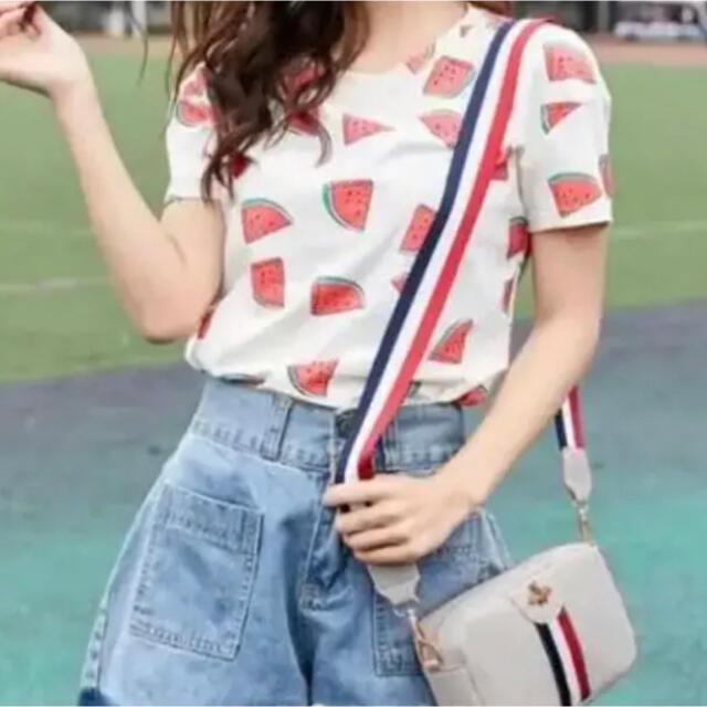 蜂マークミニショルダーバッグ 韓国ファッション グレー レディースのバッグ(ショルダーバッグ)の商品写真