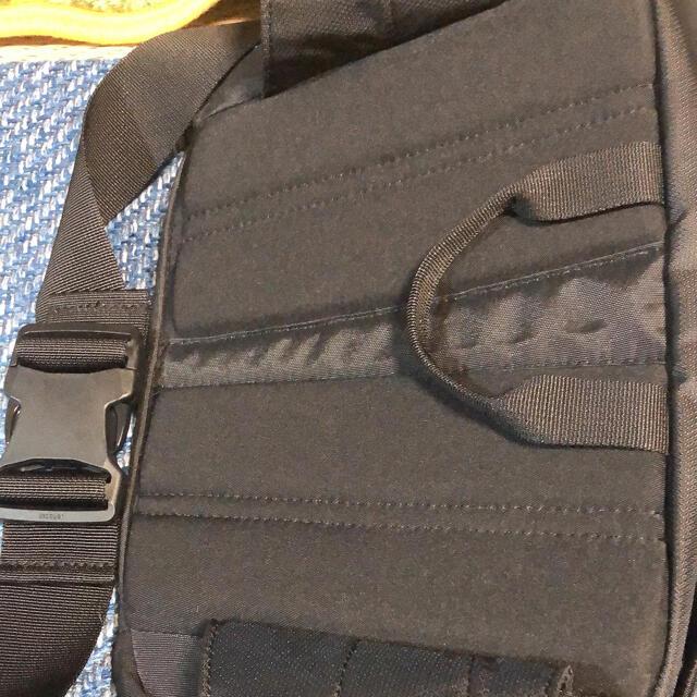 THE NORTH FACE(ザノースフェイス)のNORTH FACEのサイドバックになります。黒色です。 レディースのバッグ(ショルダーバッグ)の商品写真