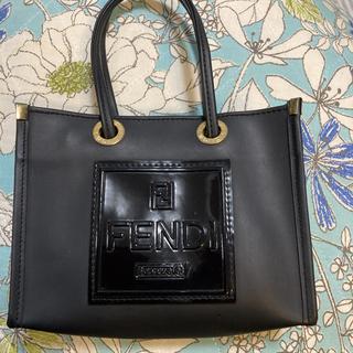 FENDI - フェンディ ミニバッグ ロゴ ラバー 黒